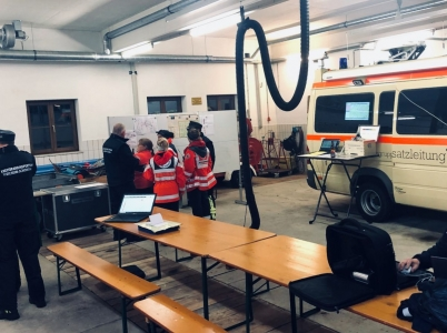Hier die Impressionen von der Einsatzleitung, die ihr Quartier im Feuerwehrhaus Polling bezogen hat.